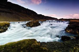 Icelandic Rapids by dannesyd