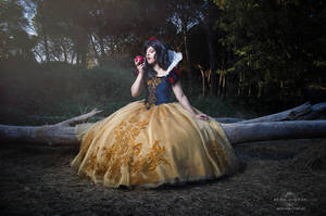 Snow White (Fairytale Doll ver.) cosplay by kokoammm
