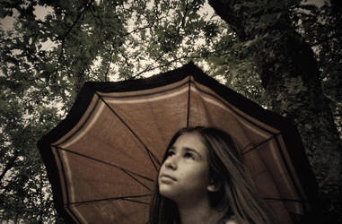 Awaiting the rain by DrunkFae