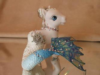 Pearl by lovelauraland