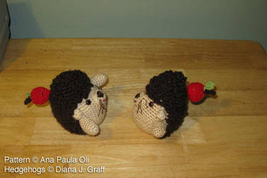 amigurumi hedgehogs by pootoo
