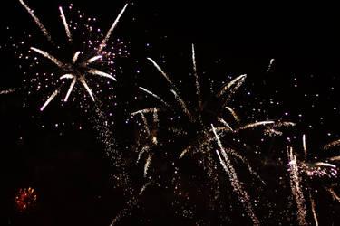 Fireworks by lazureblood