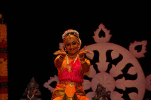 Indian Dance II by esee