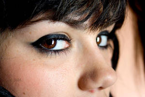 Brown eyed girl by SarasMunilla