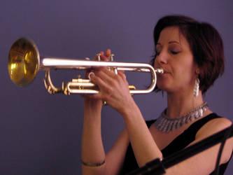 horn by laurelrusswurm