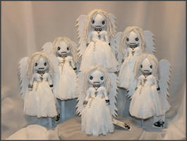 Mini Creepy Angels by Zosomoto