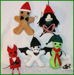 creepy Christmas tree ornaments by Zosomoto