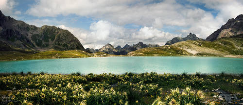 Emerald Lake by RobinHalioua