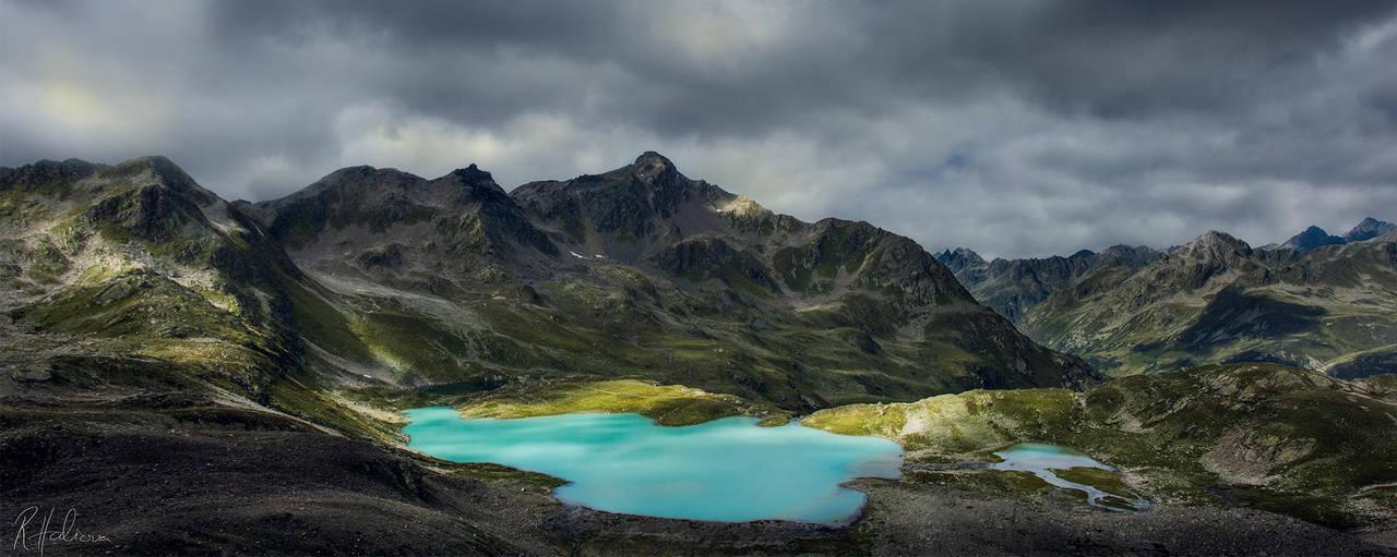 Emerald Lake II by RobinHalioua