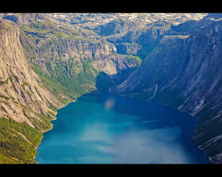 Ringedalsvatnet Lake, Norway by JasperGrom