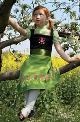 Little Princess Anna climbing in the trees .... by Flitzichen