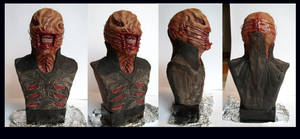 Chatterer bust painted by redtrackz