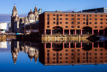 Albert Docks by tigerlily-gamgee