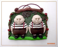 Clay - Alice in wonderland twins by buzhandmade