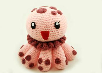 Clara the Spotted Jellyfish by craftyhanako