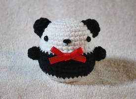 Egg Panda by craftyhanako