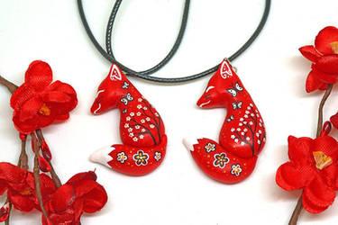 Red Kitsune Pendant by Ailinn-Lein