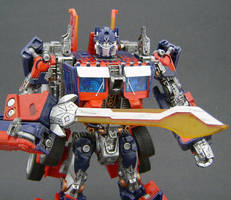 Optimus Prime Leader 1 by Jin-Saotome