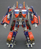 Optimus Prime Leader 3 by Jin-Saotome