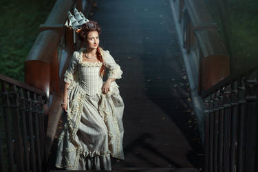 Rococo poloinaise dress by Ryzhervind