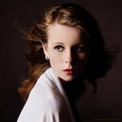 Sarah... by vadalein