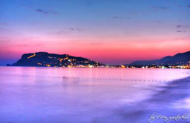 Alanya Beach HDR by evrengunturkun
