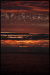 sun setting by jabibita