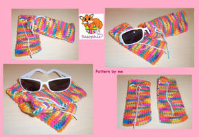 Crochet rainbow glasses case by Sasophie