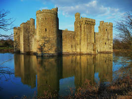 Bodiam Castle Late Afternoon by aberlioness