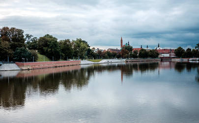 Wroclaw - river by maciekszlachta