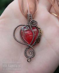Clockwork heart by ukapala