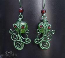 Cthulhu wire wrapped earrings by ukapala