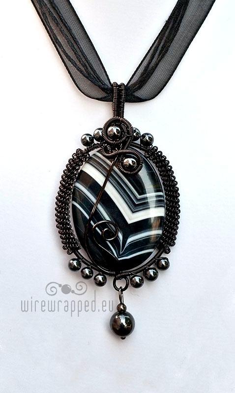 Black agate gothic pendant II by ukapala
