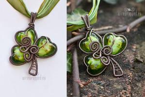 Shamrock wire wrapped pendant by ukapala