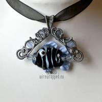 Helpless fish pendant by ukapala
