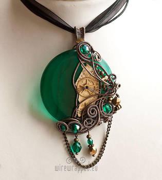 Emerald steampunk pendant by ukapala