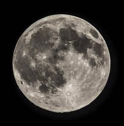 Moon shot by chrbet