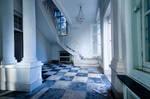 Beautiful decay by Marloeshi