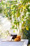 Autumn by Marloeshi