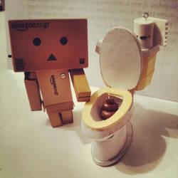 Toilet Danbo by FaerieKitteh