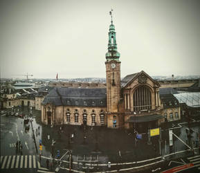 Luxembourg Train Station by unwicked