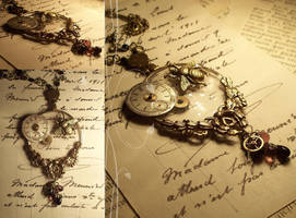 Timekeeper Necklace by hrekkjavakaastarkort