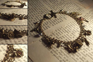Steampunk Charm Bracelet by hrekkjavakaastarkort