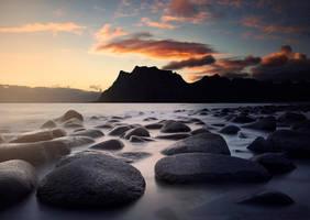 Rocky sunset by streamweb