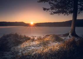 Winter sunset by streamweb