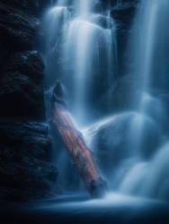 Veiled in water by streamweb
