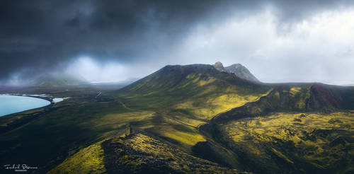 Hiking in the Icelandic highlands by streamweb