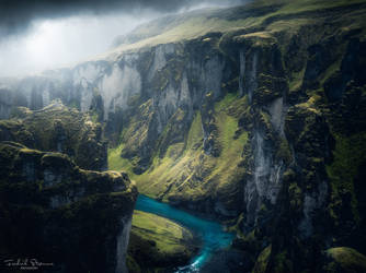 Moody atmosphere at the canyon by streamweb