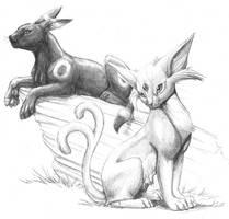 Umbreon and Espeon by hibbary