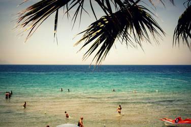 Ladies Beach by roospe